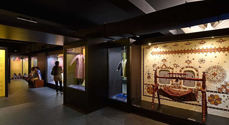 CSMVS MUSEUM, MUMBAI Asian style walls & floors by Somaya and Kalappa Consultants Asian