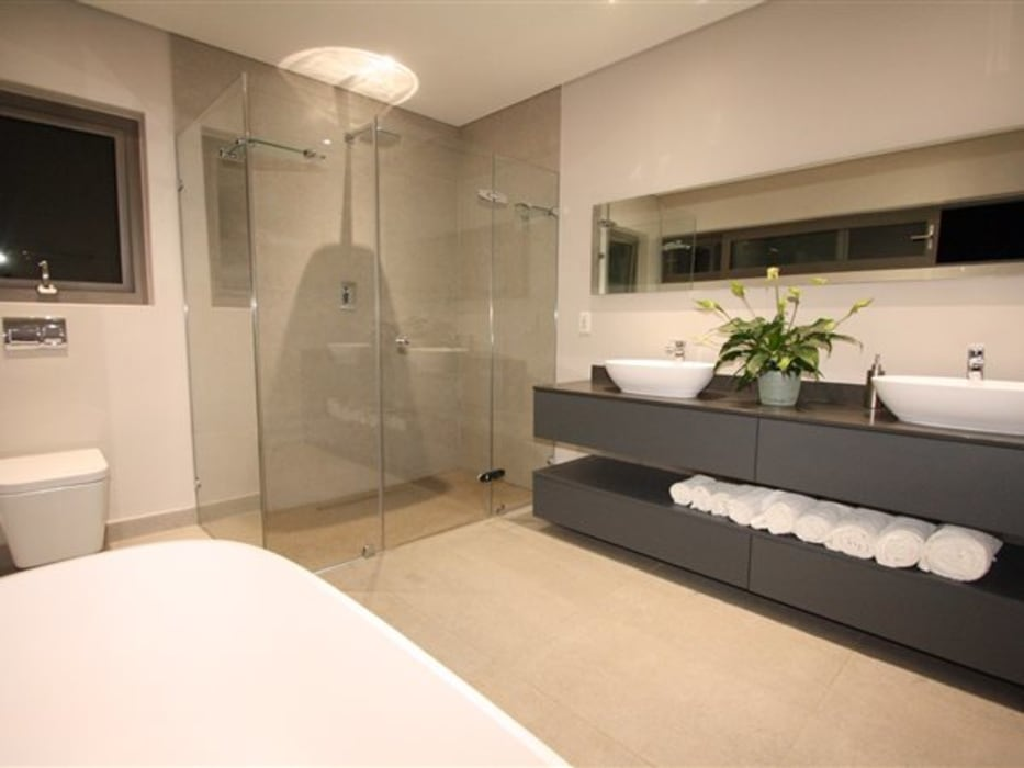E2 Architects Baños de estilo minimalista Cuarzo Gris