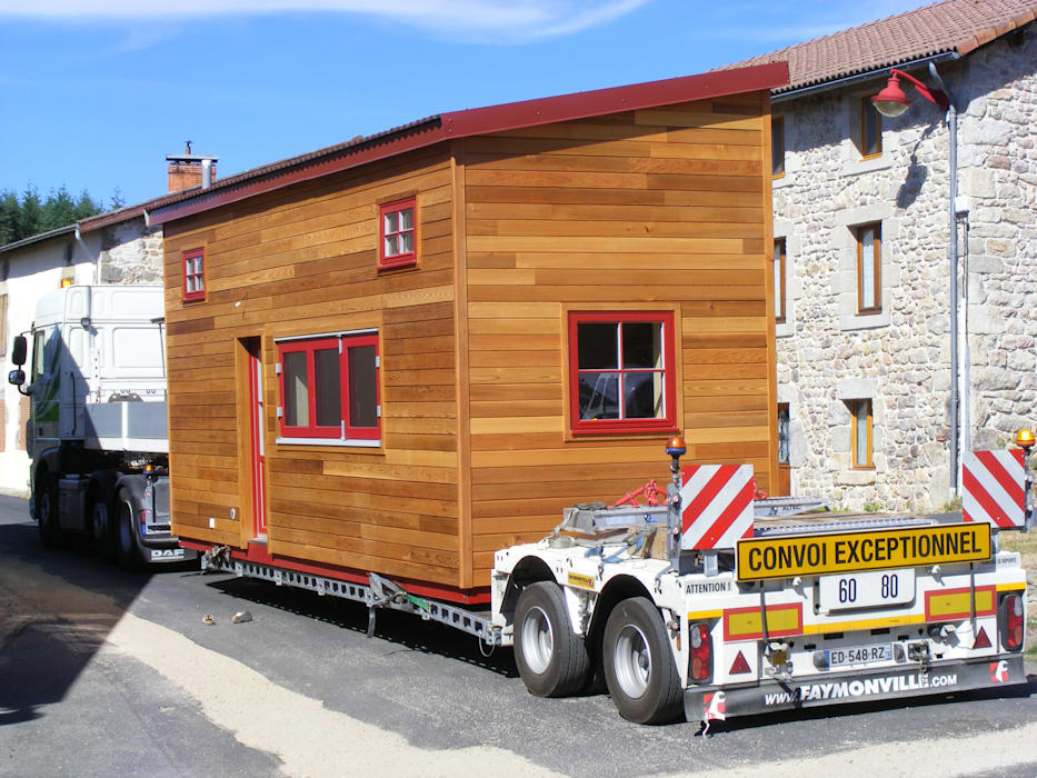 TINY HOUSE CONCEPT  MICRO MAISON REF PASS 750: Maisons de style de style Minimaliste par TINY HOUSE CONCEPT - BERARD FREDERIC