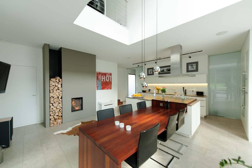Esszimmer mit küche: esszimmer von grimm architekten bda ...