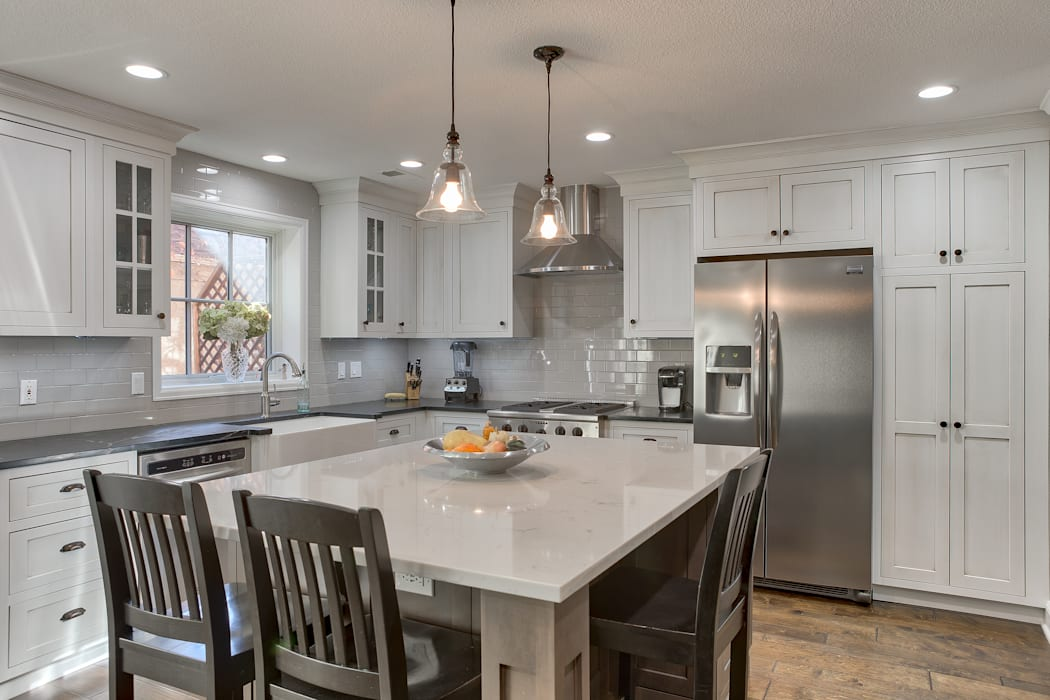 Cherry Creek Town Home :  Kitchen by Studio Design LLC,