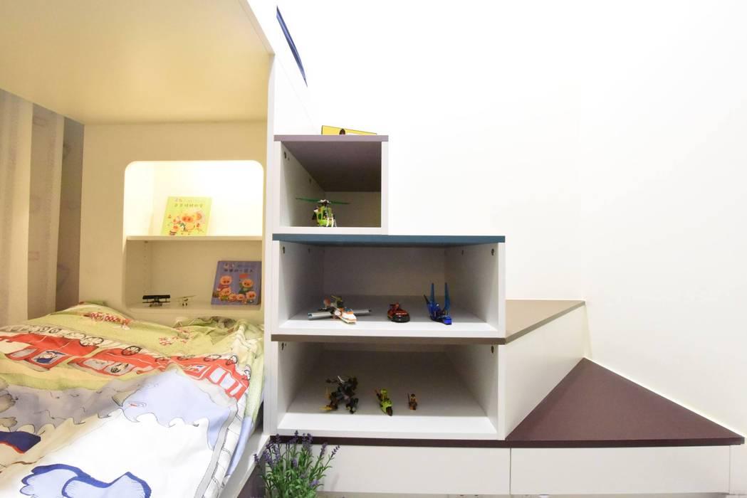 de 皇室空間室內設計 Moderno