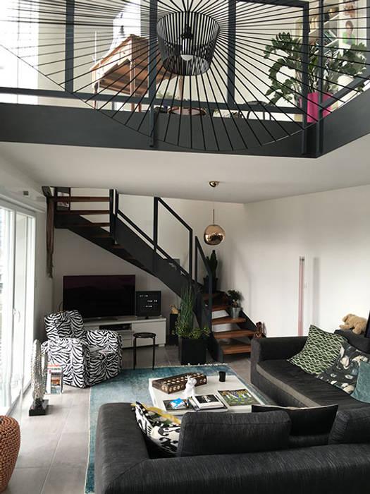 escalier loft couloir entr e escaliers de style de style industriel par passion escaliers. Black Bedroom Furniture Sets. Home Design Ideas