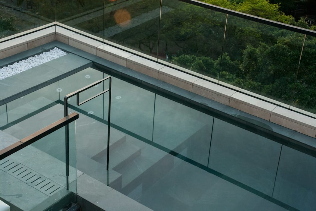 Roof Top Swimming Pool Modern pool by Sensearchitects_Limited Modern Stone