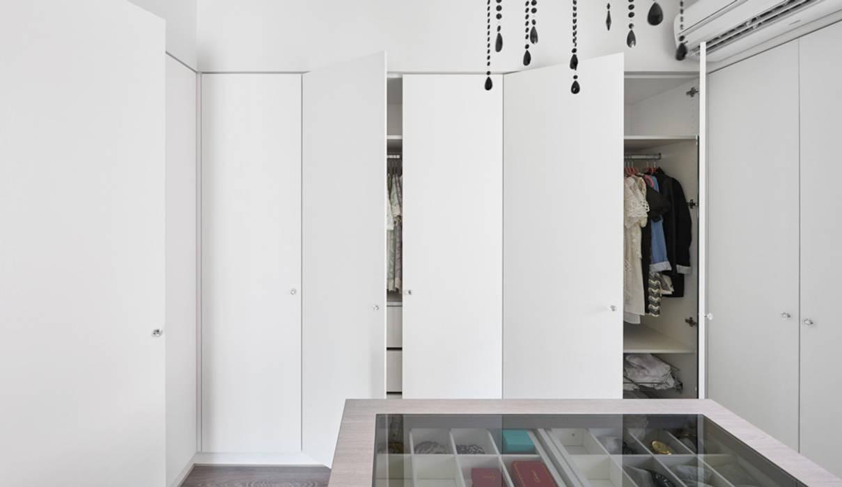 Scandinavian style dressing room by 思維空間設計 Scandinavian