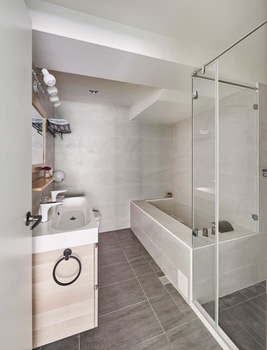 Scandinavian style bathroom by 思維空間設計 Scandinavian
