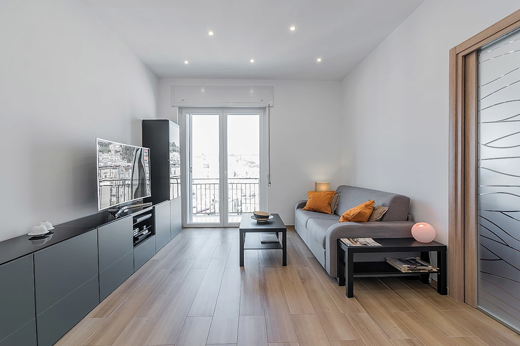 Living room by Facile Ristrutturare, Modern