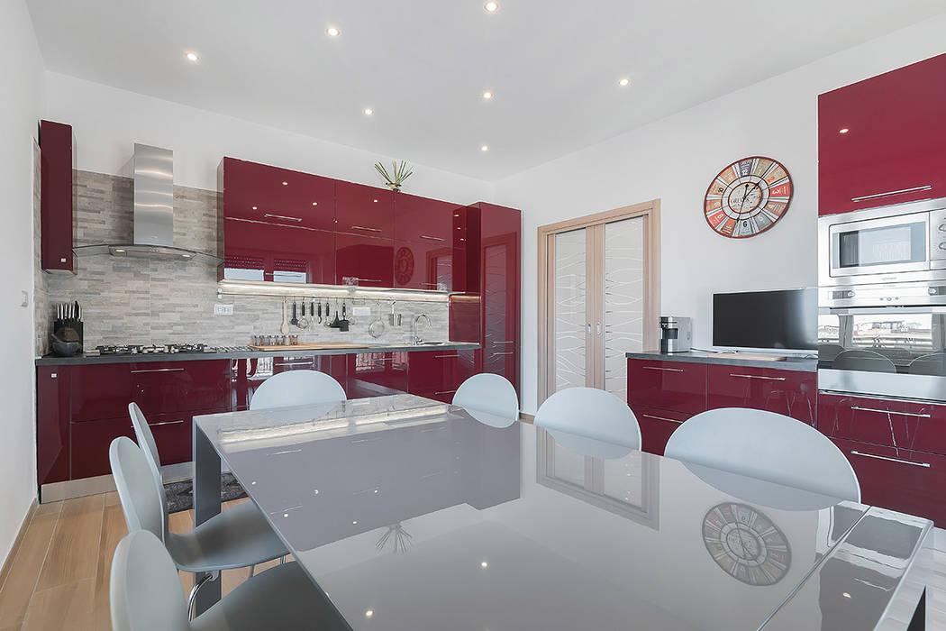 現代廚房設計點子、靈感&圖片 根據 Facile Ristrutturare 現代風