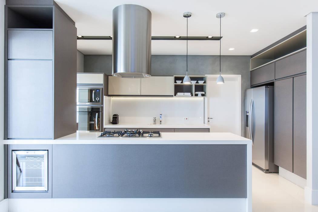 Cocinas de estilo  de Rosana Pintor Arquitetura e Interiores, Moderno
