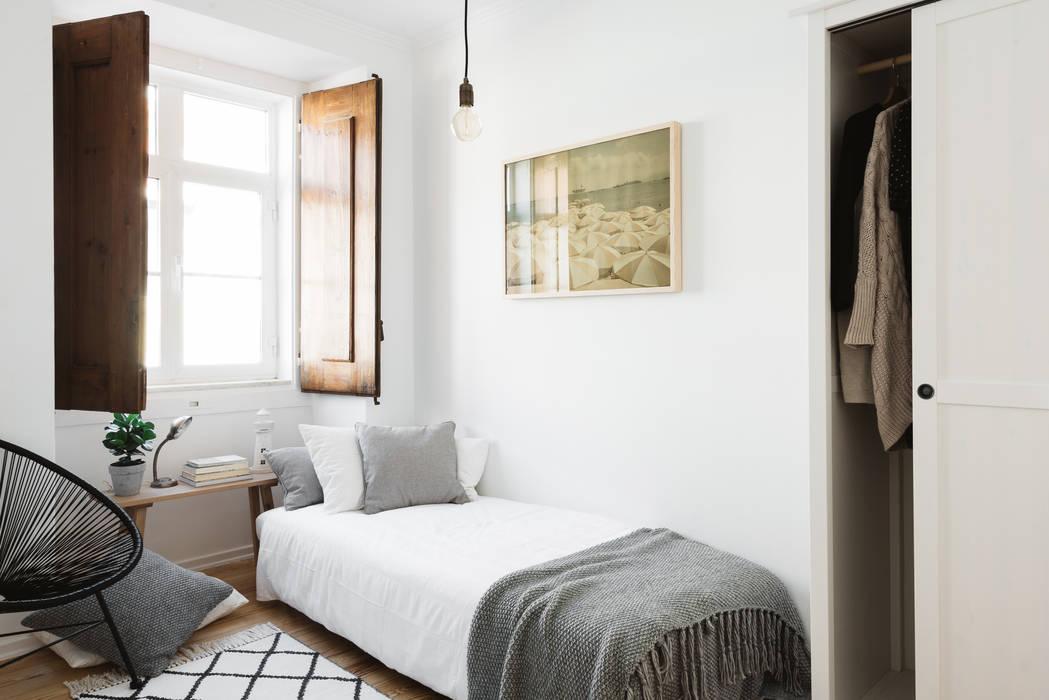 Scandinavian style bedroom by Arkstudio Scandinavian