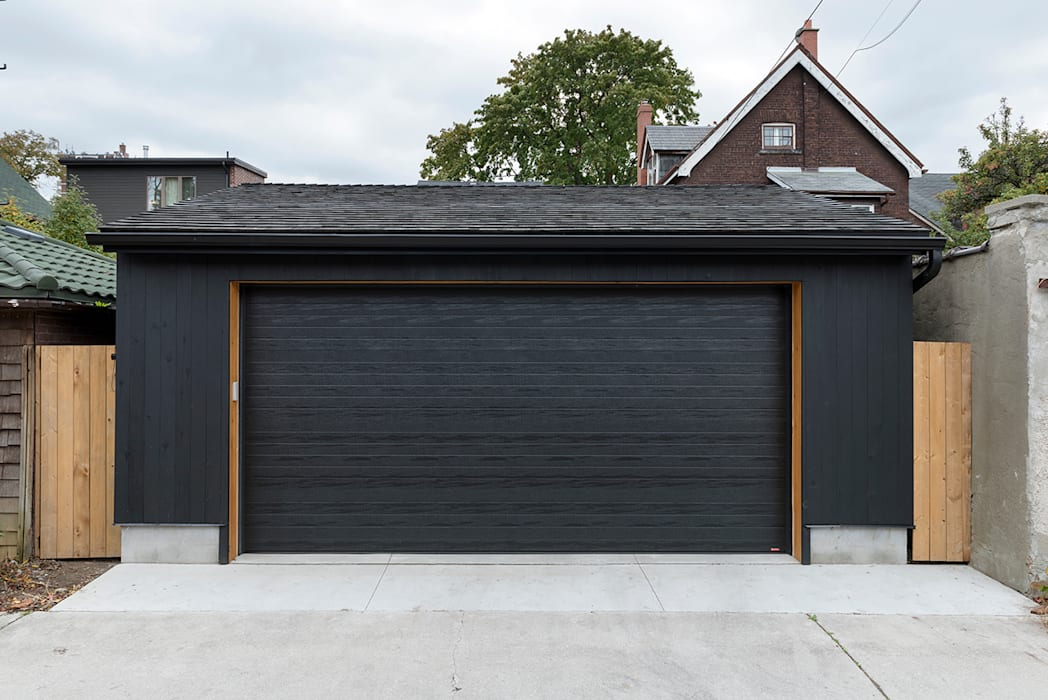 Family Garage and Sauna Scandinavian style garage/shed by STUDIO Z Scandinavian Solid Wood Multicolored