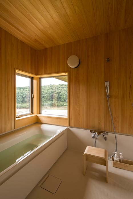 Eclectic style bathroom by 中山大輔建築設計事務所/Nakayama Architects Eclectic