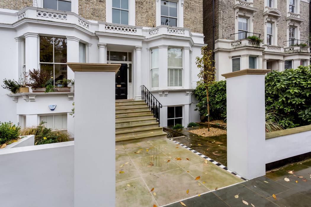 Maisons de style  par GK Architects Ltd, Classique