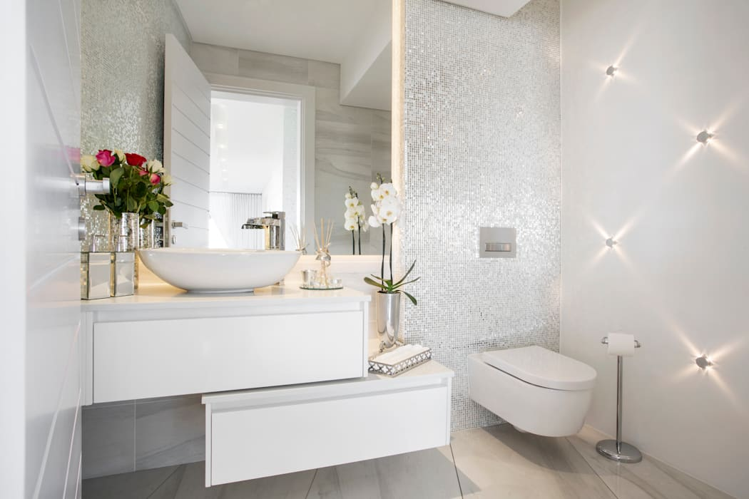 ULTRA MODERN RESIDENCE Modern bathroom by FRANCOIS MARAIS ARCHITECTS Modern