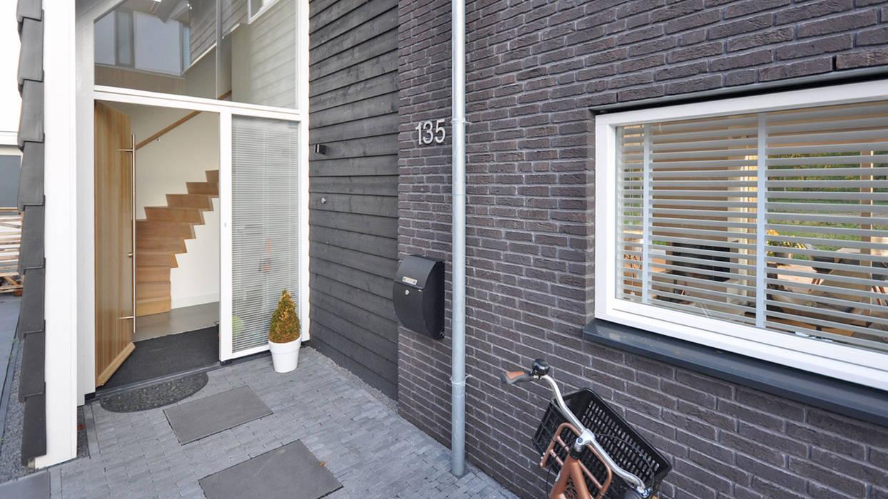 Eigentijdse woning Den-Haag Moderne tuinen van Bongers Architecten Modern