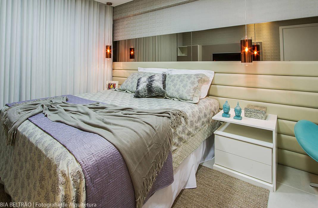 Classic style bedroom by Cris Nunes Arquiteta Classic