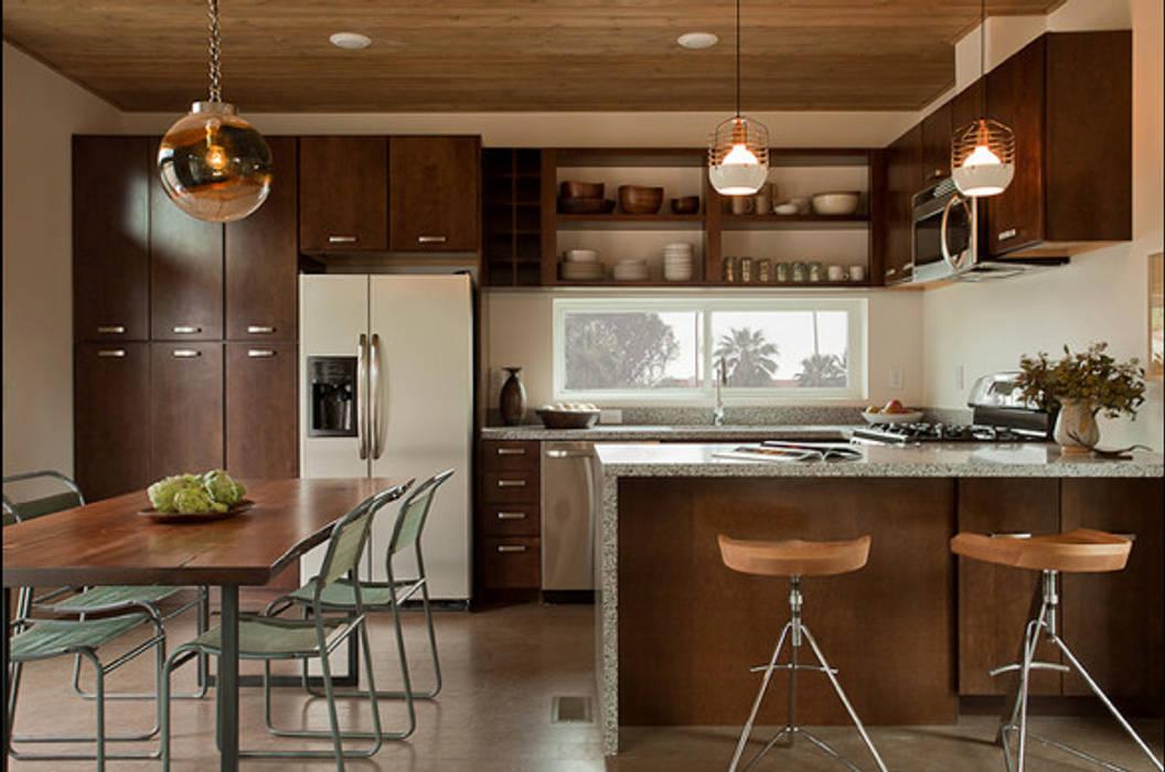 Dapur oleh Casa Container Brasil, Modern