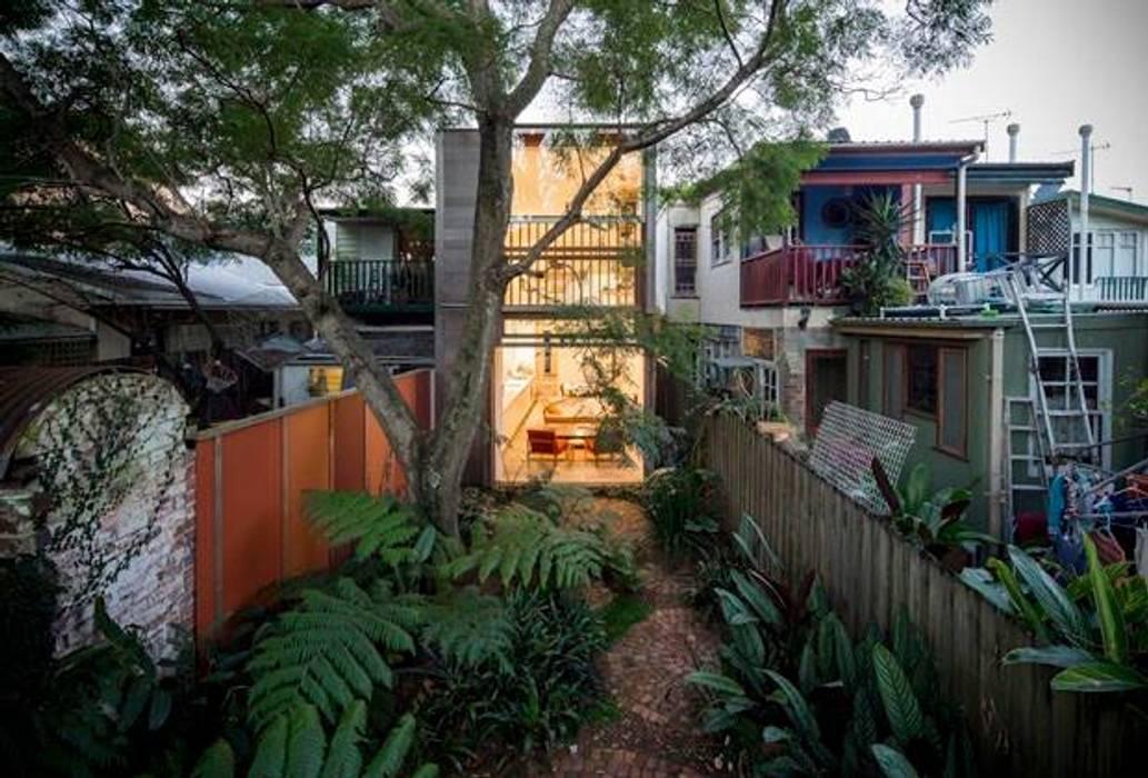 Casas modernas: Ideas, imágenes y decoración de 23594414850 Moderno