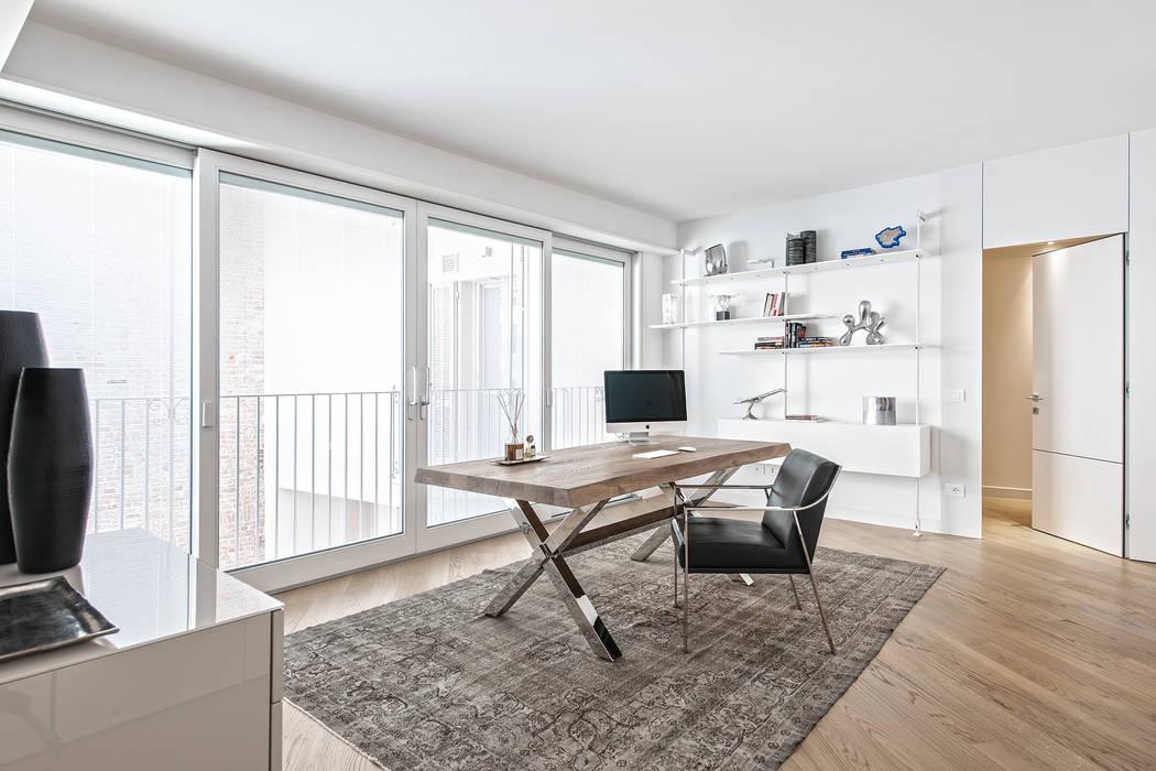 Estudios y despachos de estilo moderno de BRANDO concept Moderno
