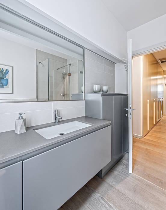 Modern bathroom by BRANDO concept Modern