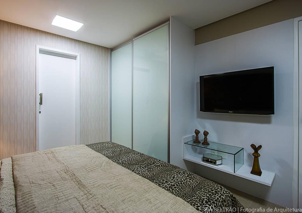 Bedroom by Cris Nunes Arquiteta
