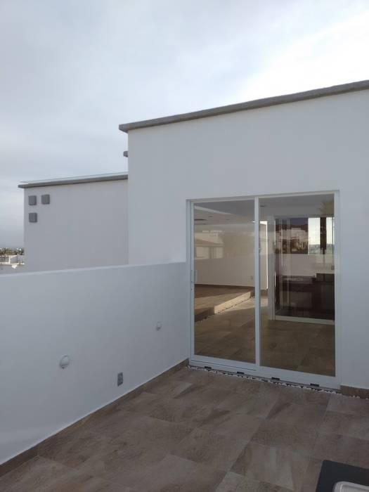 TERRAZA Casas modernas: Ideas, imágenes y decoración de Arqca Moderno