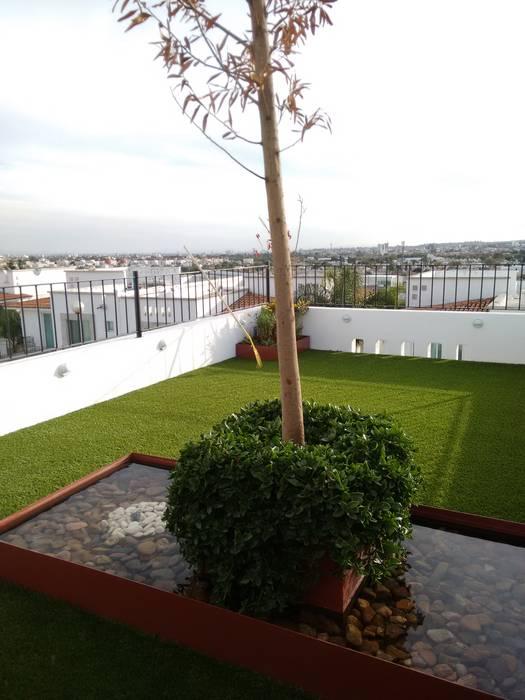ESTANQUE DE AGUA Y JARDINERIA Arqca Jardines modernos