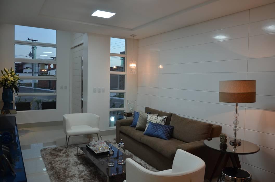 ห้องนั่งเล่น โดย Cris Nunes Arquiteta, คลาสสิค