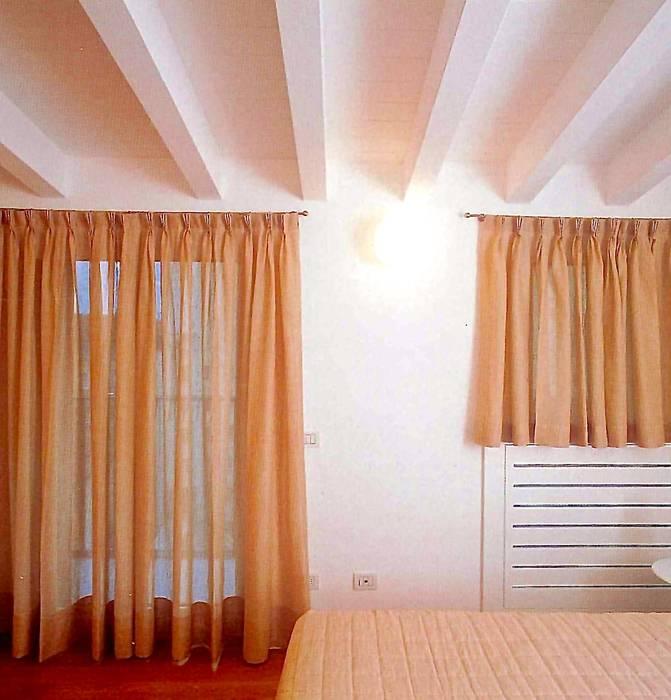 Camera da letto: Camera da letto in stile in stile Minimalista di Fabio Carria