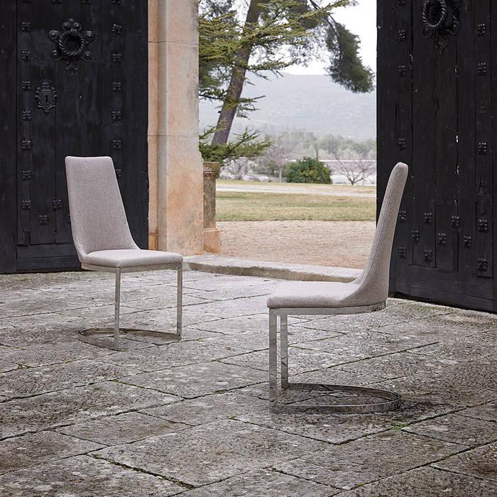 Intense mobiliário e interiores;: modern tarz , Modern
