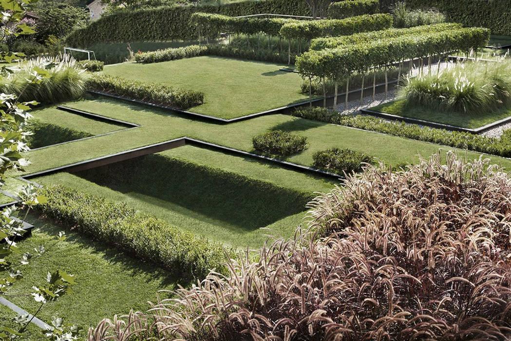 Jardin réalisé autour de l´harmonie, nature et habitat: garten von ...