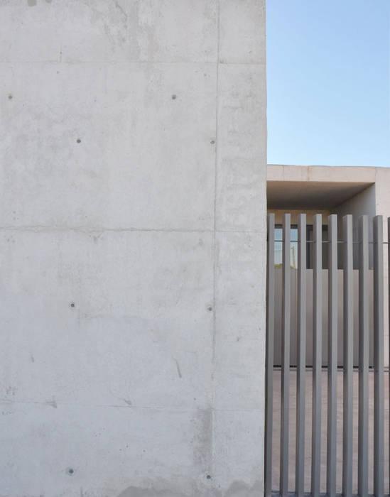 RAFAEL ALCANTARA Modern schools