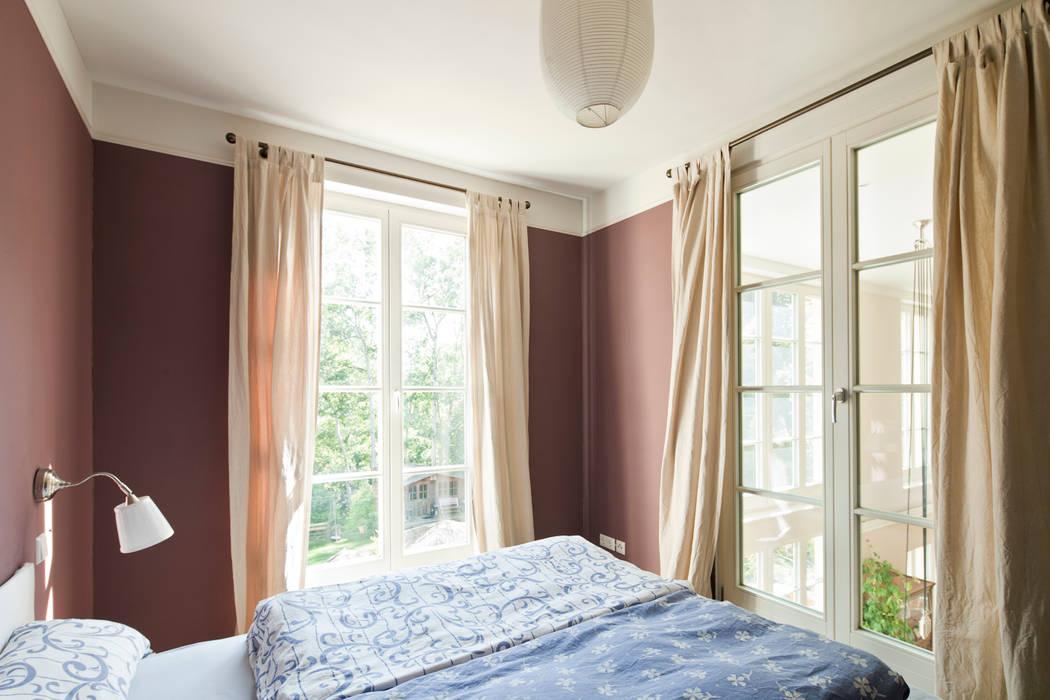 Dormitorios de estilo  por Müllers Büro