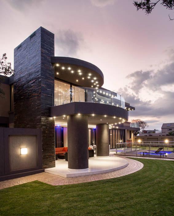 บ้านและที่อยู่อาศัย โดย FRANCOIS MARAIS ARCHITECTS, โมเดิร์น