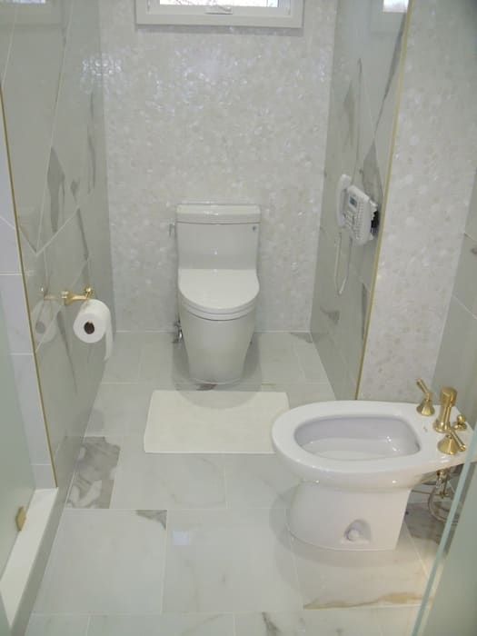 Jersey Shore Beach House Bathrooms:  Bathroom by Kitchen Krafter Design/Remodel Showroom