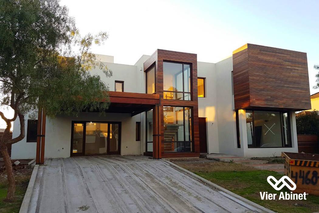 Construcción en Madera y Revestimientos Casas modernas: Ideas, imágenes y decoración de VIER ABINET S.A. Pisos & Decks Moderno Madera Acabado en madera