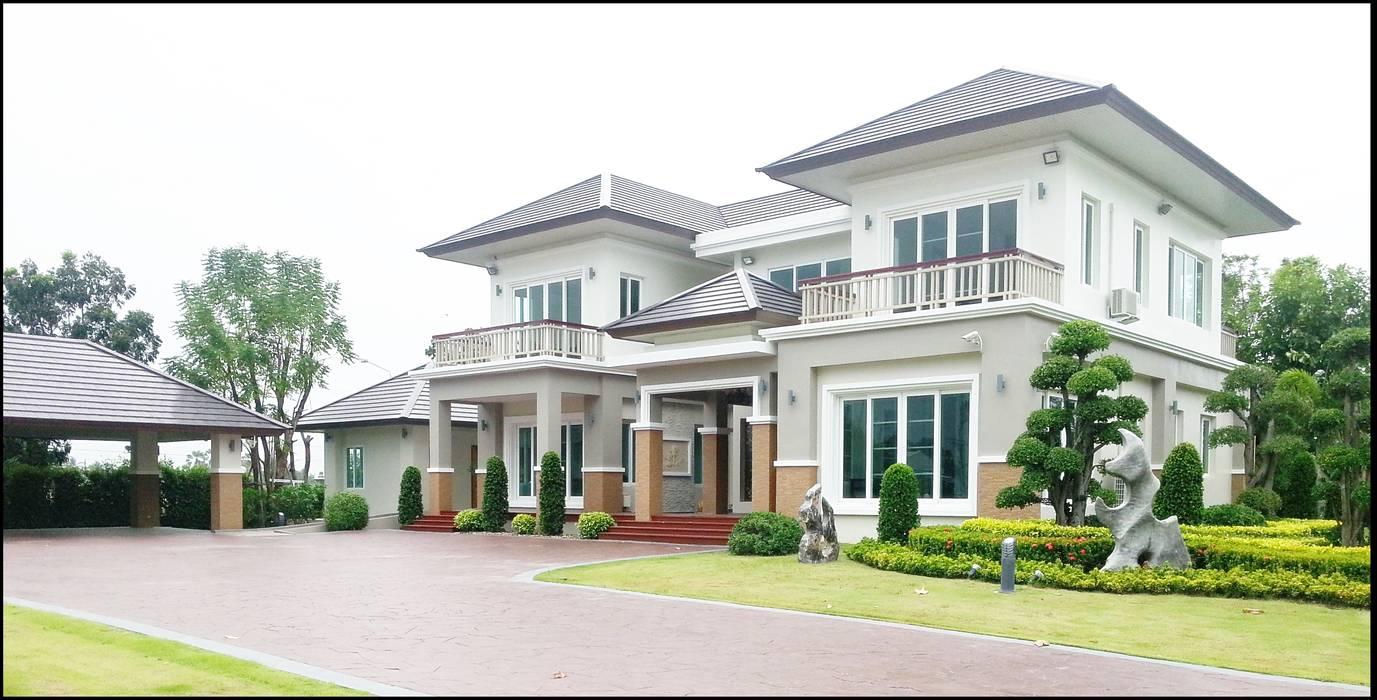 ผลงานสร้างบ้านพักอาศัย 2 ชั้น Contemporary Style by KL-Cons.:  บ้านและที่อยู่อาศัย by บริษัท เค.แอล.คอนสตรัคชั่น แอนด์ ซัพพลาย จำกัด