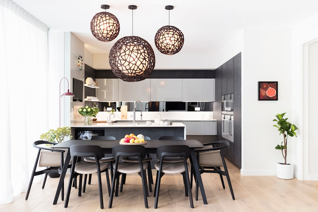 Modern New Home in Hampstead - Dining Area Black and Milk | Interior Design | London Dining roomTables