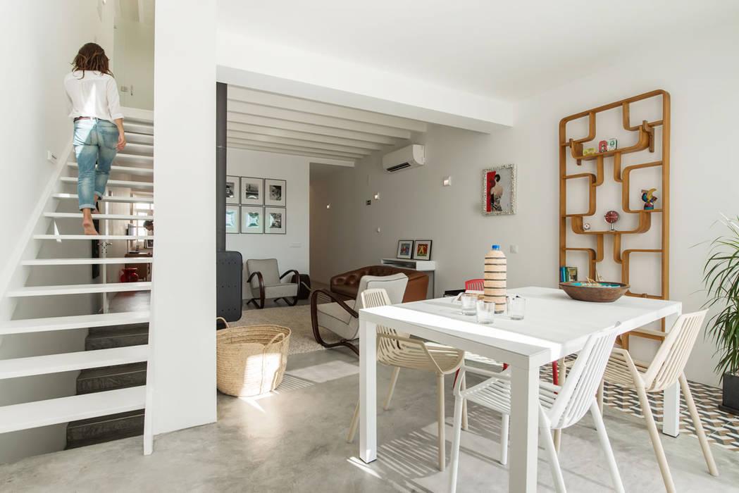 Wohnzimmer von studioarte, Minimalistisch