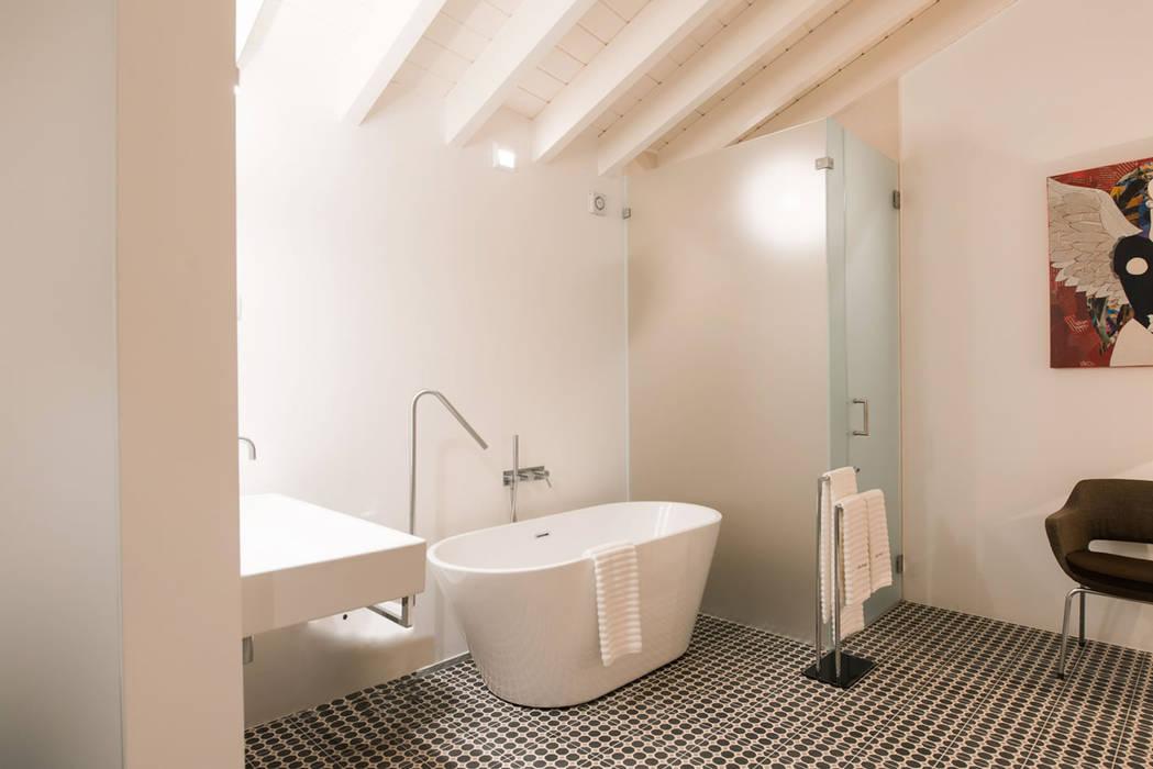 Bathroom Baños de estilo minimalista de studioarte Minimalista