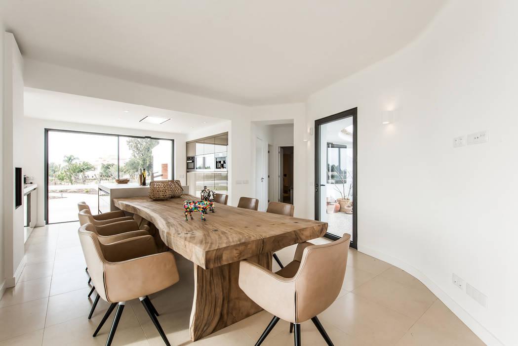 Livingroom/Kitchen Salon moderne par studioarte Moderne