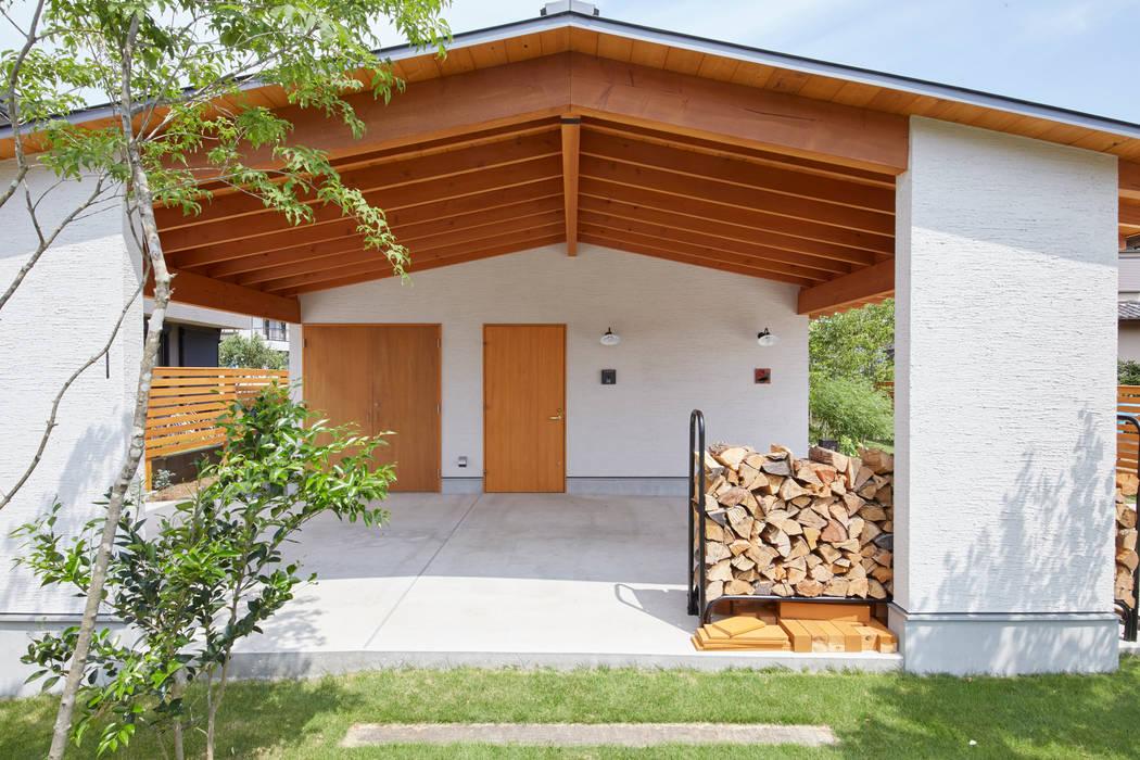 Maisons scandinaves par 一級建築士事務所co-designstudio Scandinave Bois Effet bois