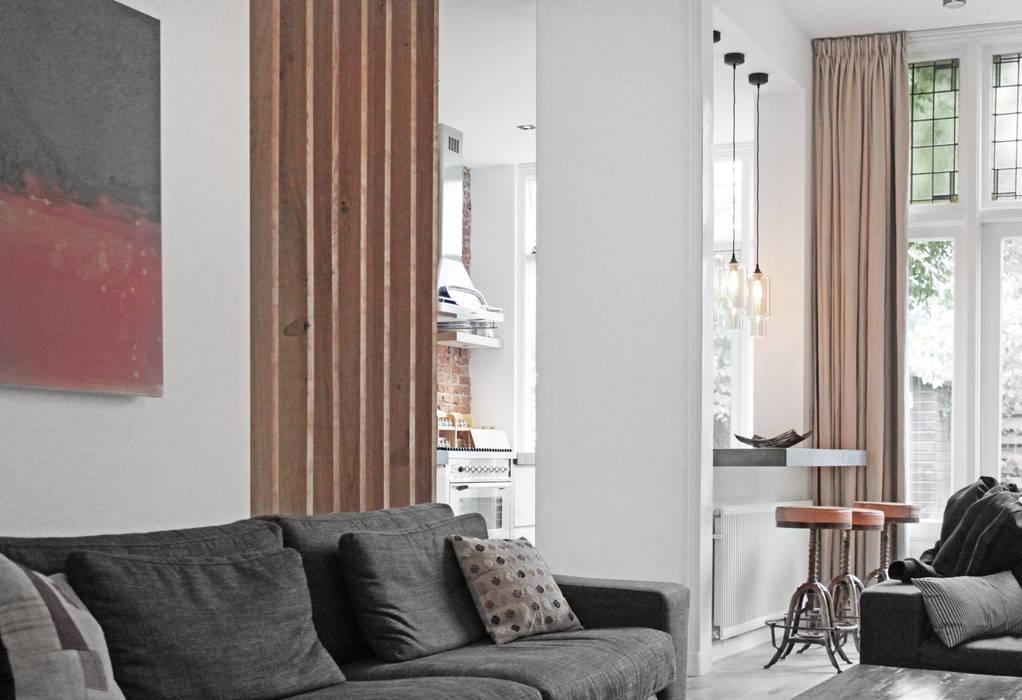 Renovatie woning Den Haag Moderne woonkamers van Bloot Architecture Modern