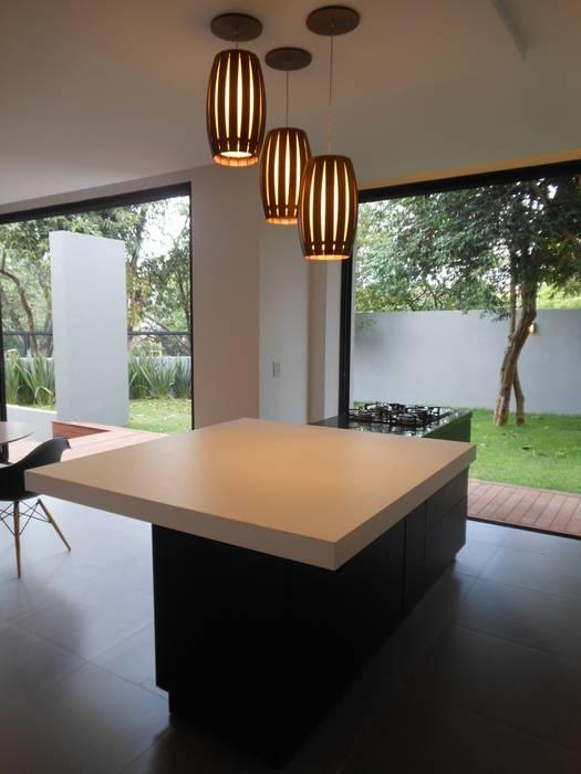 Casa Olinda Cláudia Legonde Cozinhas modernas MDF Preto