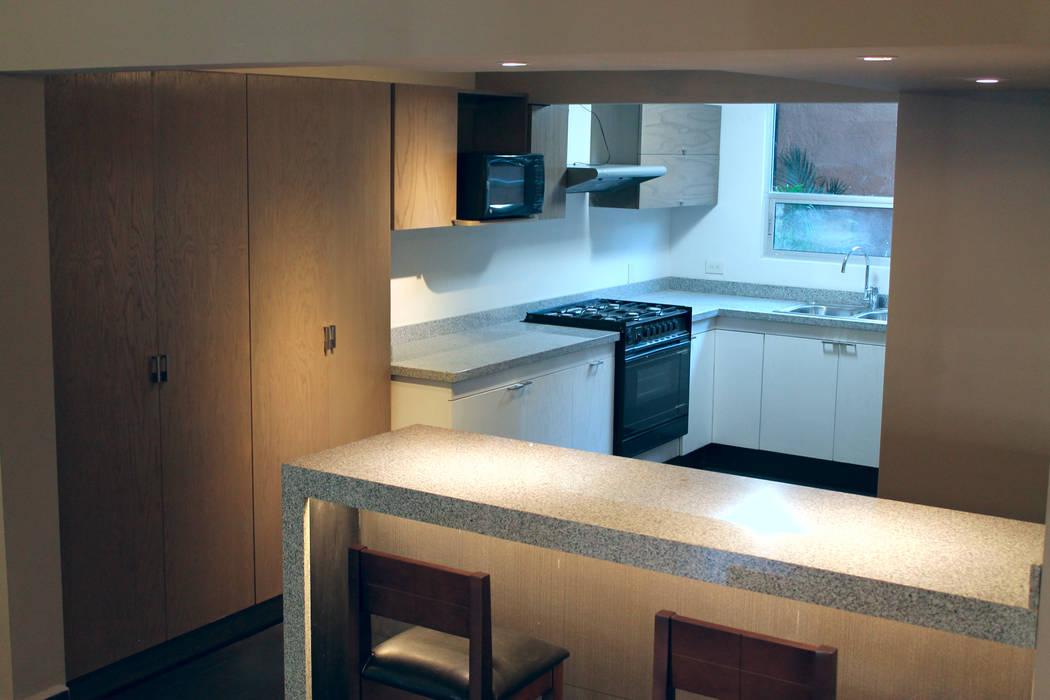 Chipinque Modern kitchen by Superficie Actual Modern
