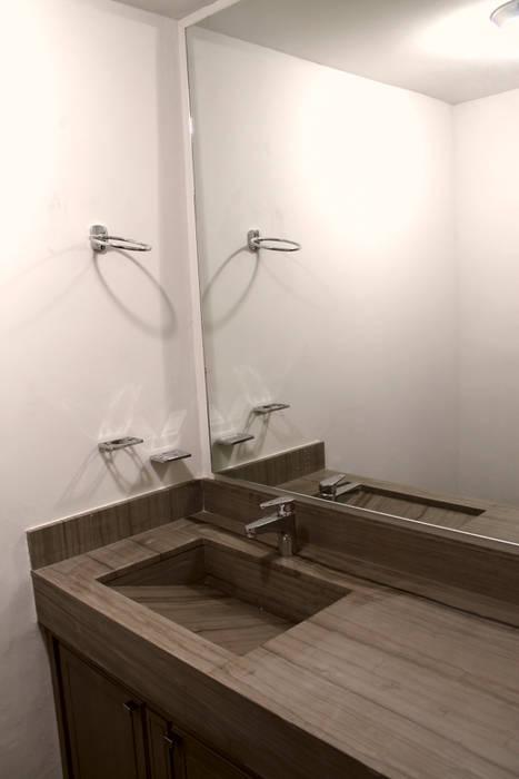 Bathroom by Superficie Actual