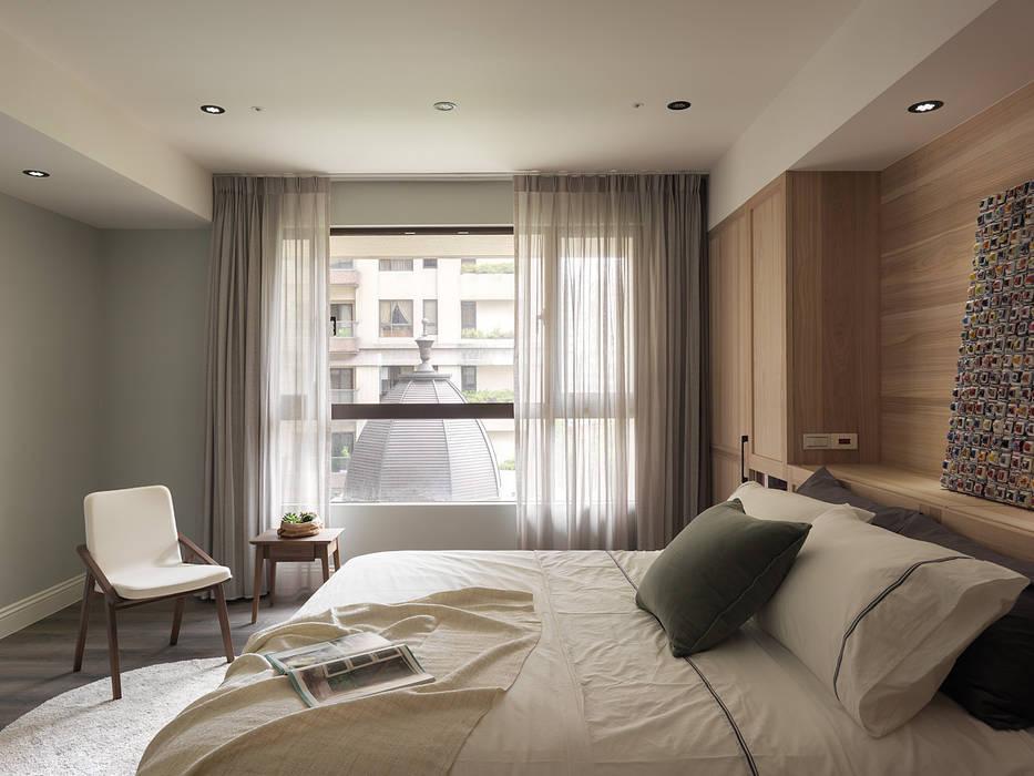 Dormitorios de estilo  de 陶璽空間設計,