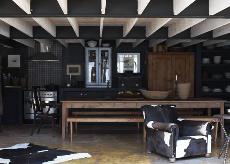 Dining room by David Strauss Interiors