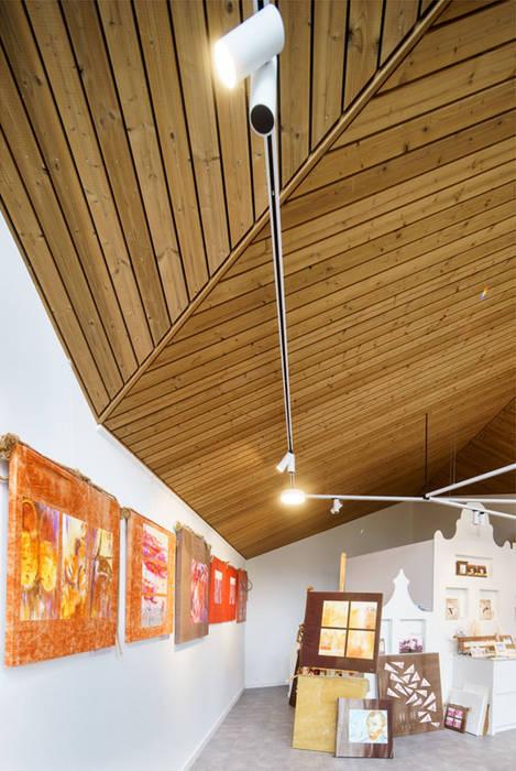 Interieur: Poolhouse / Atelier :  Wijnkelder door [delacourt][vanbeek], Modern