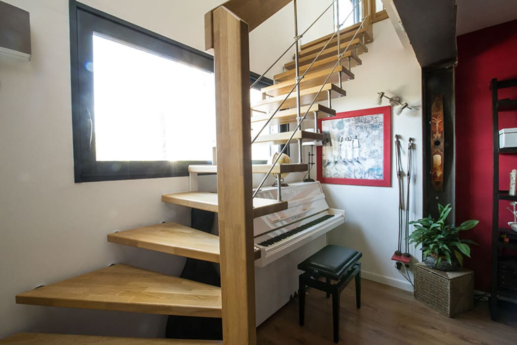 Modern Corridor, Hallway and Staircase by Passion Escaliers Modern